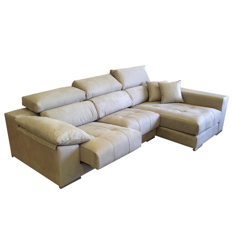 Sofá con chaiselongue, cabezal americano, sistema de pared cero y asientos deslizantes.